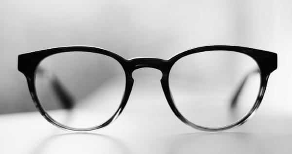 transparente blaufilter brille optiker